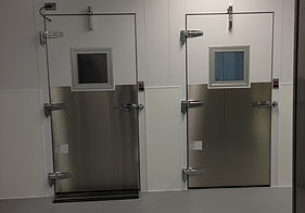 Lab Equipment - Walk In Coolers / Freezers
